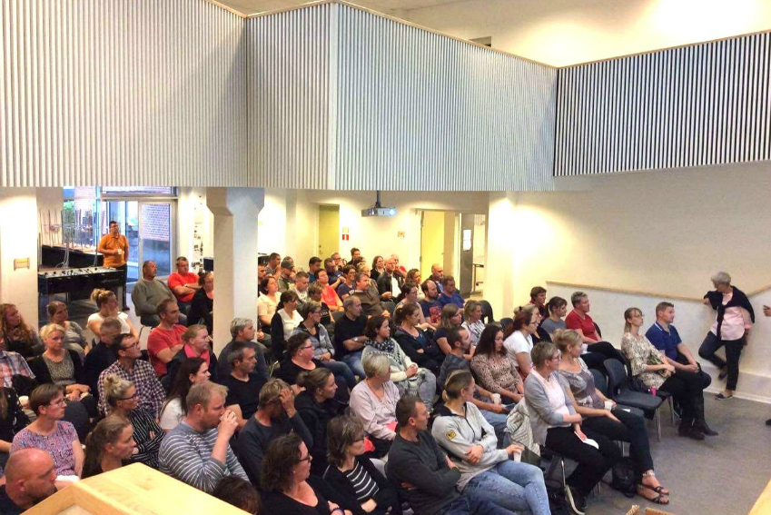 Publikum til foredrag med Pernille Brinch